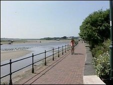 BBC News - Boy, 14, admits sexual assaults on Devon's Tarka Trail