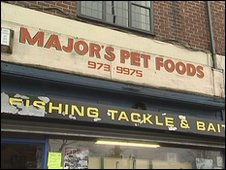 BBC News - Tagged Trafford pet shop owner 'stunned' by tag