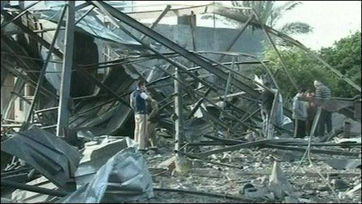 BBC News - Thirteen Israeli air strikes hit Gaza Strip