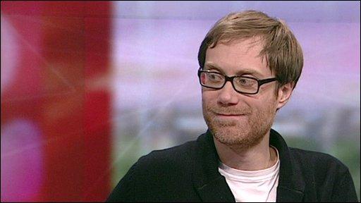 BBC News - Merchant reunited with Gervais
