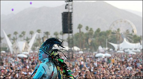 The Hipster Headdress Abounds at Coachella | Native
