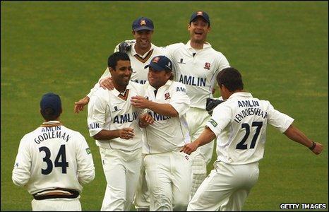 BBC Sport - Cricket - Essex take control against Lancashire